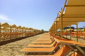 spiaggia-90-riccione-tende